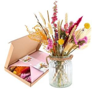 brievenbus-geschenk-met-verhaal-boeket-droogbloemen